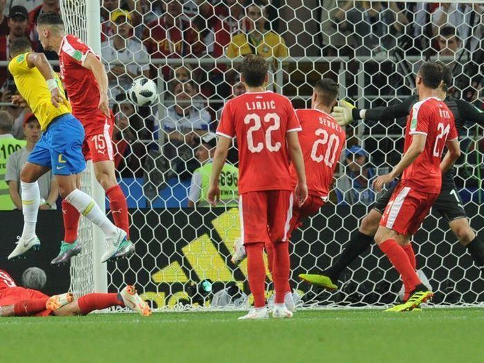 7d33270bd1 A Seleção Brasileira avançou na Copa do Mundo FIFA 2018 ao vencer a Sérvia  por 2 a 0 nesta quarta-feira (27)