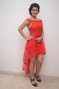 Yamini bhaskar new glam pics-thumbnail-1