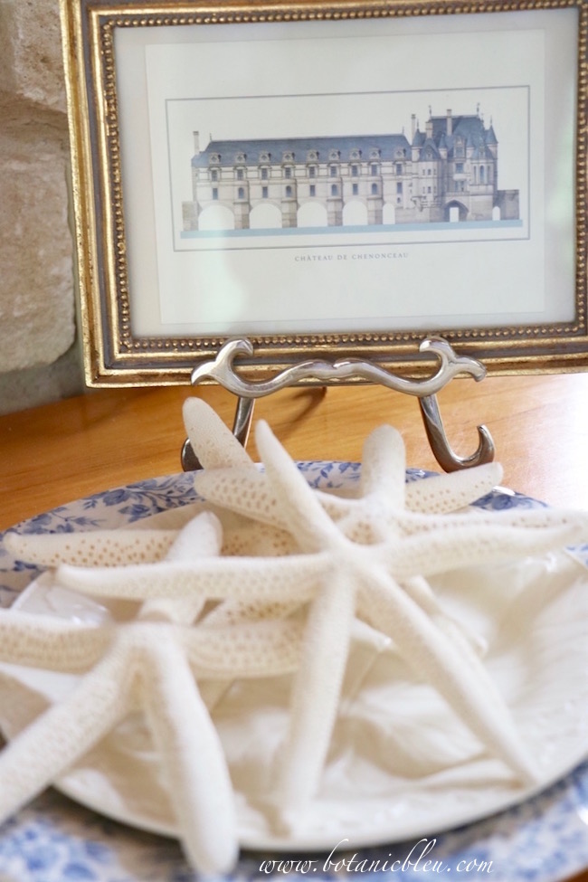 use-white-starfish-french-chenonceau-postcard-with-french-coastal-banner