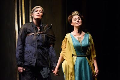 Catherine Carby, Elena Xanthoudakis  - Donizetti Pia de'Tolomei - English Touring Opera - photo Janet Hobson