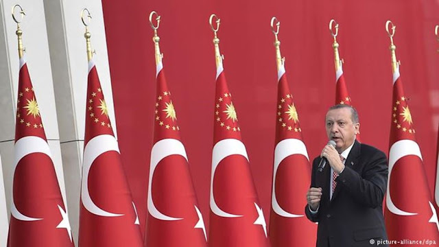 Ο Ερντογάν επιχειρεί νέα στροφή