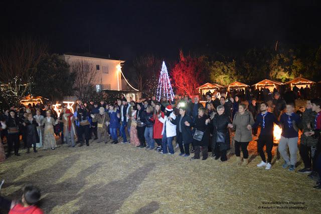 Ξεσήκωσε τον κόσμο χθες το βράδυ η Ένωση Ποντίων Πιερίας στο Χριστουγεννιάτικο Χωριό του Κόσμου. (ΦΩΤΟ-ΒΙΝΤΕΟ)
