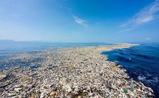 pasifik okyanusunda plastik çöp girdabı
