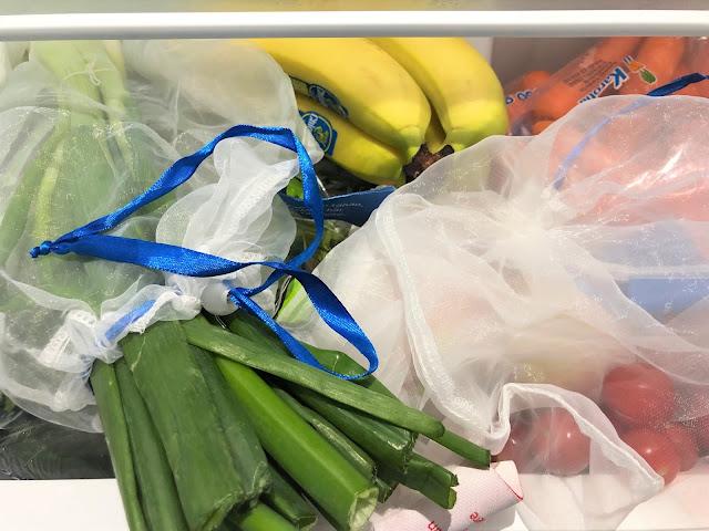 Hedelmät ja vihannekset pääosin ostettuna ilman pakkauksia irtomyynistä ja ekologisesti hengittävissä kestopusseissa