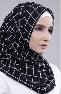 Tutorial Hijab Simple untuk Kuliah yang Unik dan Menarik