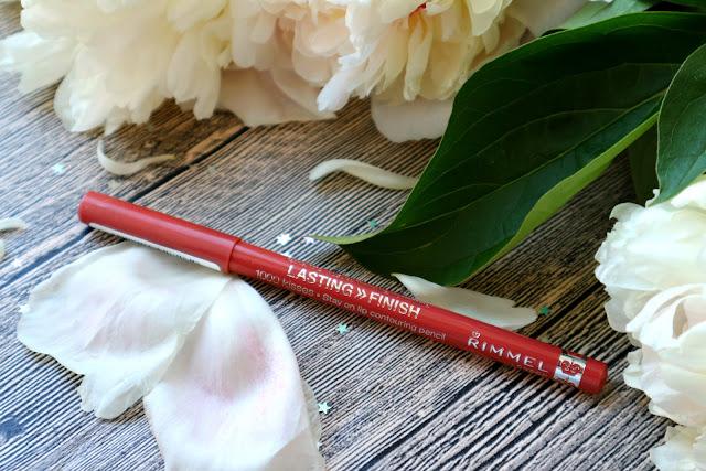 Rimmel 1000 Kisses Lip Countouring Pencil