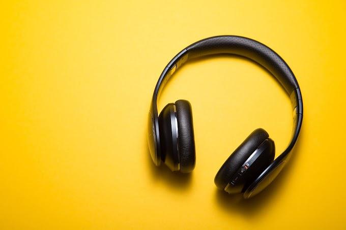 Gamers' B&O wireless headphones By Microsoft