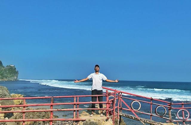 Pantai Watu Lawang Gunung Kidul, Keindahan yang Tersembunyi