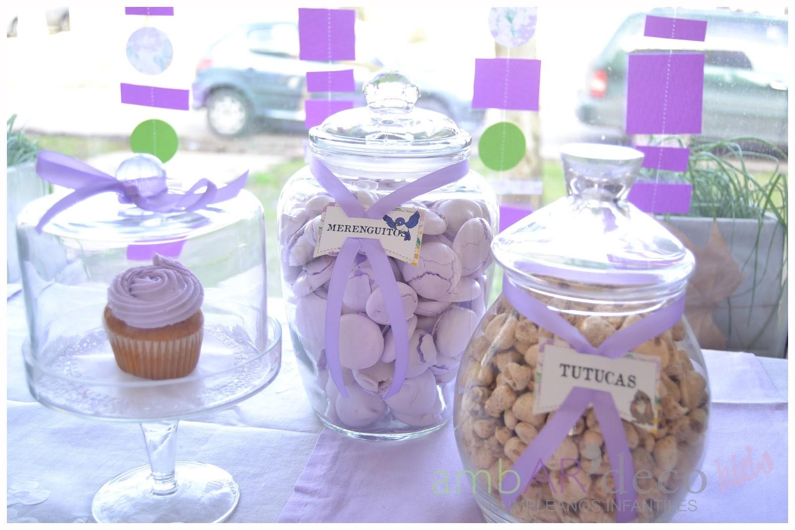 c1be271b1 Las bolsitas las eligió violetas y la cerramos con las etiquetas  personalizadas para Isa.