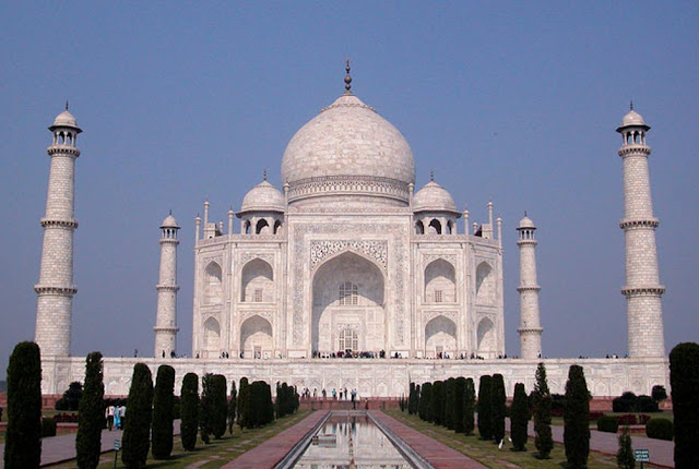 Project to beautify Taj Mahal is blocked