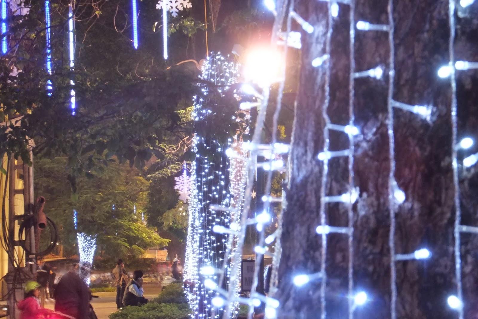 christmas-hanoi-vietnam ハノイのクリスマス電飾