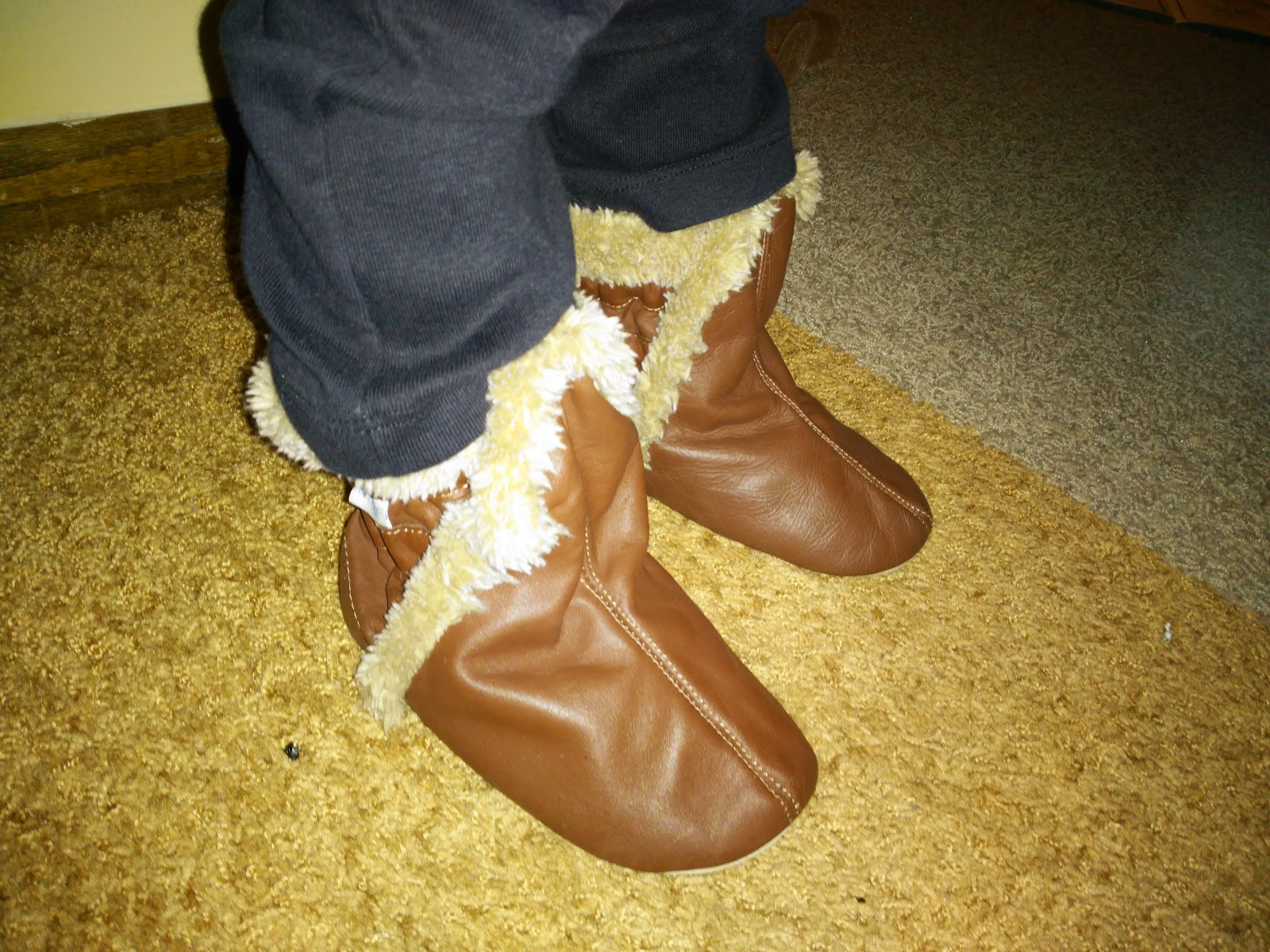 9ec2a0eb6f0c Keep Little Toes Warm   Safe This Winter with Robeez! ~ The Review Stew