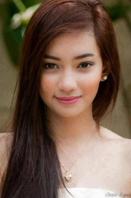 Alluring Pinay Beauty