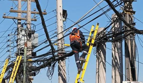 Multas a empresas que no retiran cables en desuso recién se aplicarían a partir de marzo