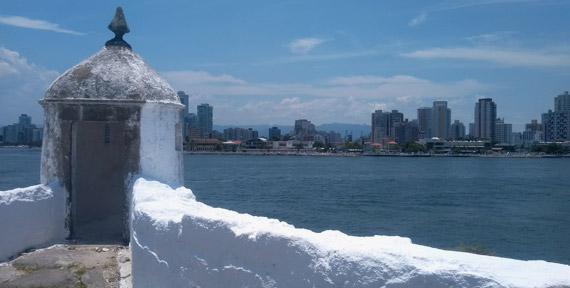 Vista para o mar da Fortaleza de Santo Amaro da Barra Grande