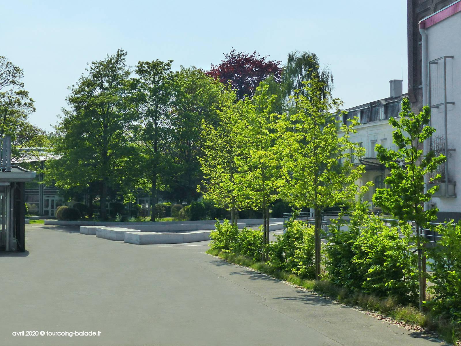 Lycée EIC LICP Tourcoing - Cour de récréation - 2020
