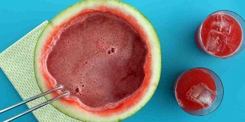Masker semangka campur yoghurt