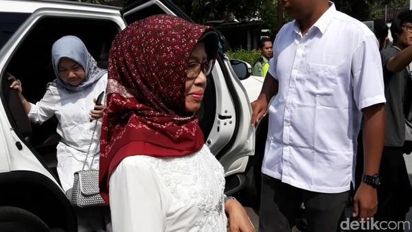 Ibunda Jokowi Wafat di Usia 77 Tahun