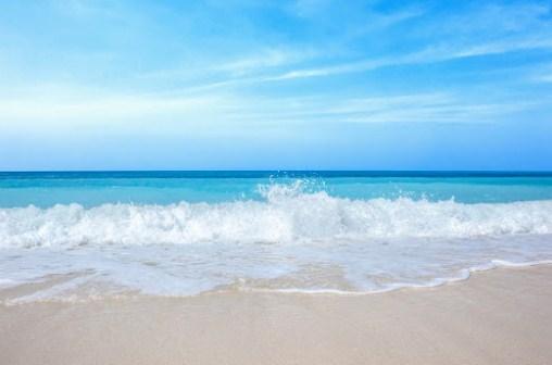Arti Mimpi Berada di Laut Menurut Buku Mimpi