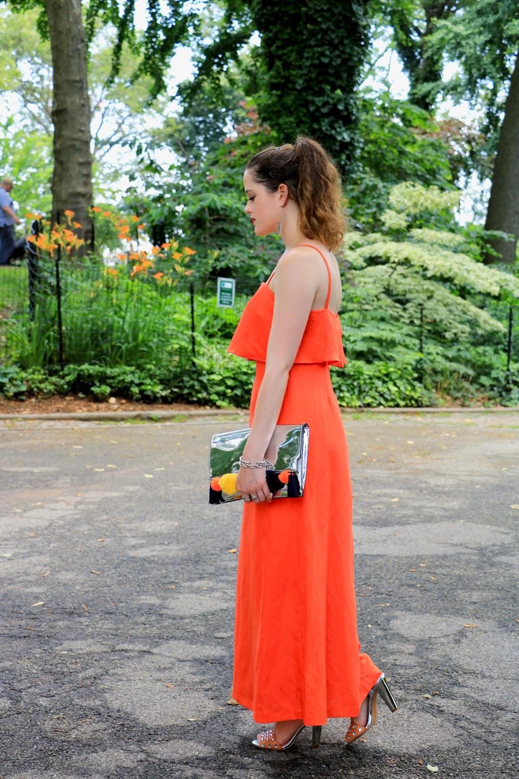 Fashion blogger Kathleen Harper of Kat's Fashion Fix wearing a summer wedding dress