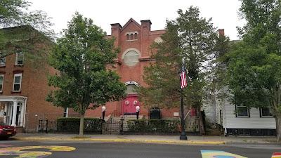 Hudson, New York. Shiloh Baptist Church, Warren Street. Former Congregation Anshe Emet, 1913. Exterior. Photo: Samuel D, Gruber 2021.