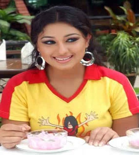 opu biswas hot pic