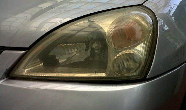 headlamp atau yang lebih dikenal dengan istilah lampu kepala oleh sebagian orang ialah sa PENYEBAB HEADLAMP MOBIL MENJADI BURAM