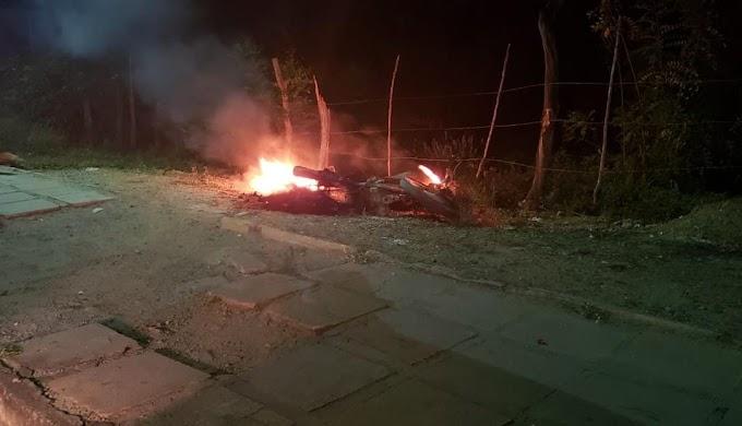 Suposto assalto e moto incendiada em Jacobina; veja as duas versões para o caso