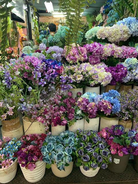 Chatuchak Market w Bangkoku - kiedy jest otwarty? Jak najłatwiej się do niego dostać? Czy warto go zwiedzić?