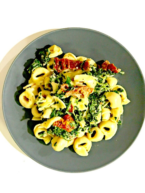 Creamy Mozzarella sun-dried tomato basil spinach tortellini recipe - Ioanna's Notebook
