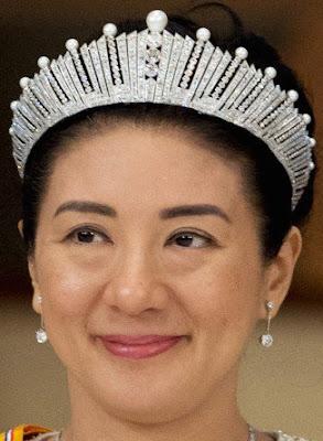 Pearl Sunburst Tiara Empress Michiko of Japan Crown Princess Masako