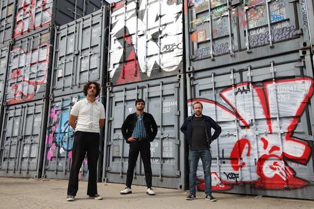 Le groupe d'indie rock parisien Sheitan & the Pussy Magnets a tout pour ensorceler les esprits