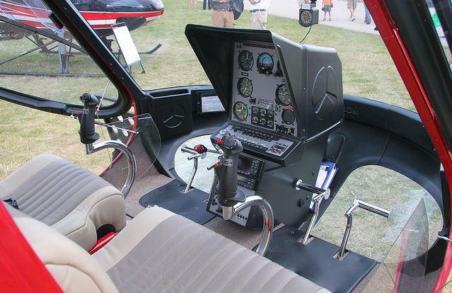 Enstrom F-28 cockpit