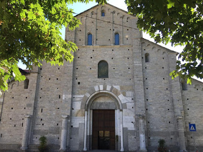 New Liturgical Movement: The Basilica of Sant'Abbondio in