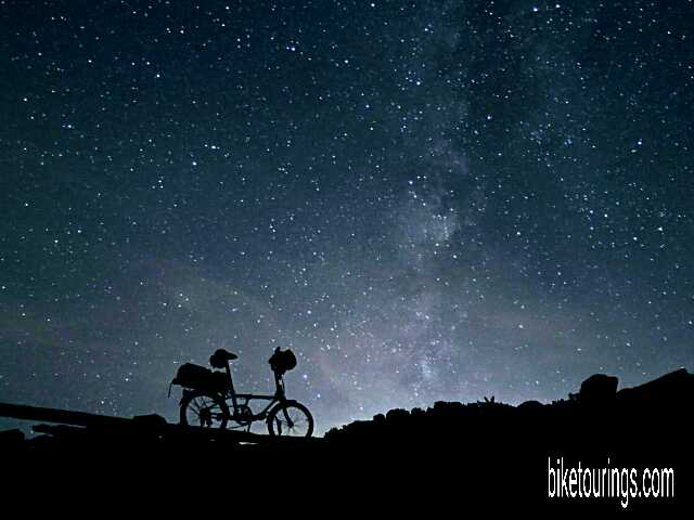 Picture of Dahon Mariner folding bike and astro photo night picture