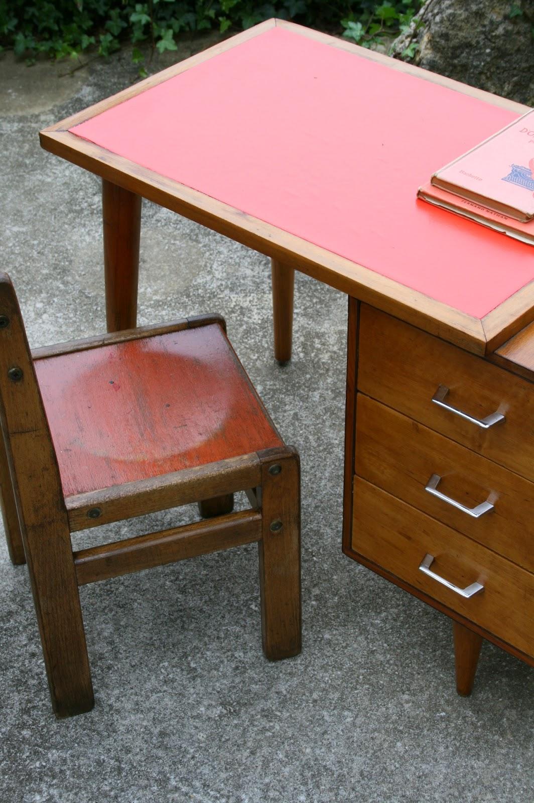 c 39 est la re cr ation vintage scolaire vintage coup de c ur bureau d 39 colier scandinave. Black Bedroom Furniture Sets. Home Design Ideas