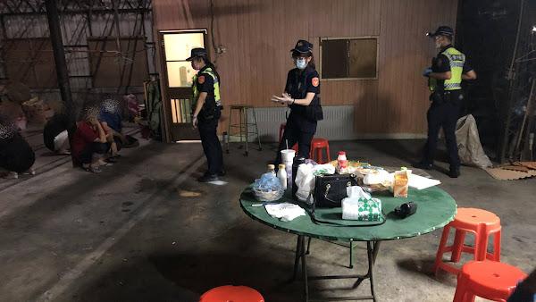 鹿港警分局臨檢室內群聚 意外查獲不能安全駕駛通緝犯