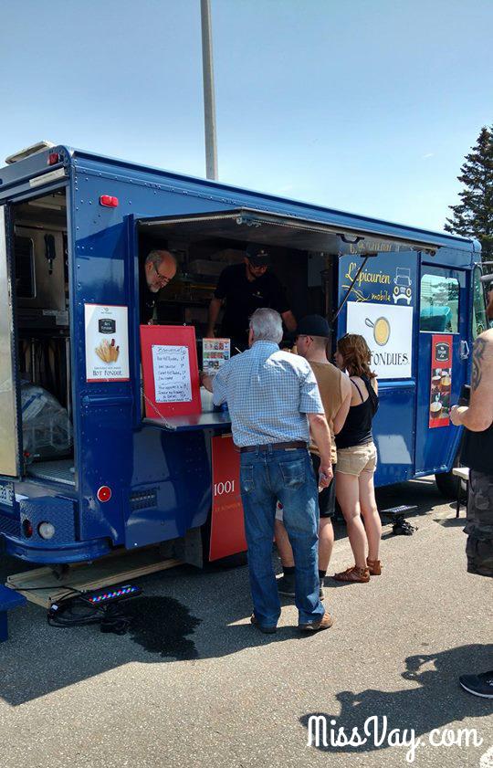Food truck camion rue Ancienne Lorette Québec