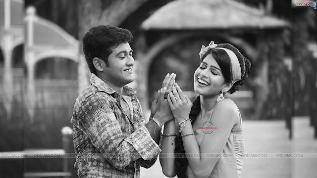 Swaraj and Sunmeera Duo Actors HD Wallpaper Download