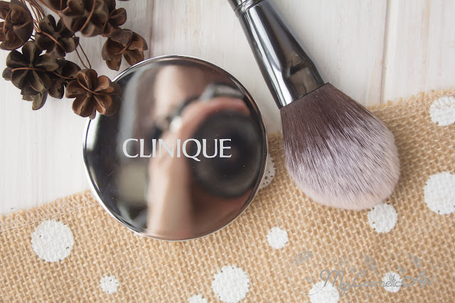Almost Powder Makeup de Clinique: maquillaje antioxidante con minerales SPF 15
