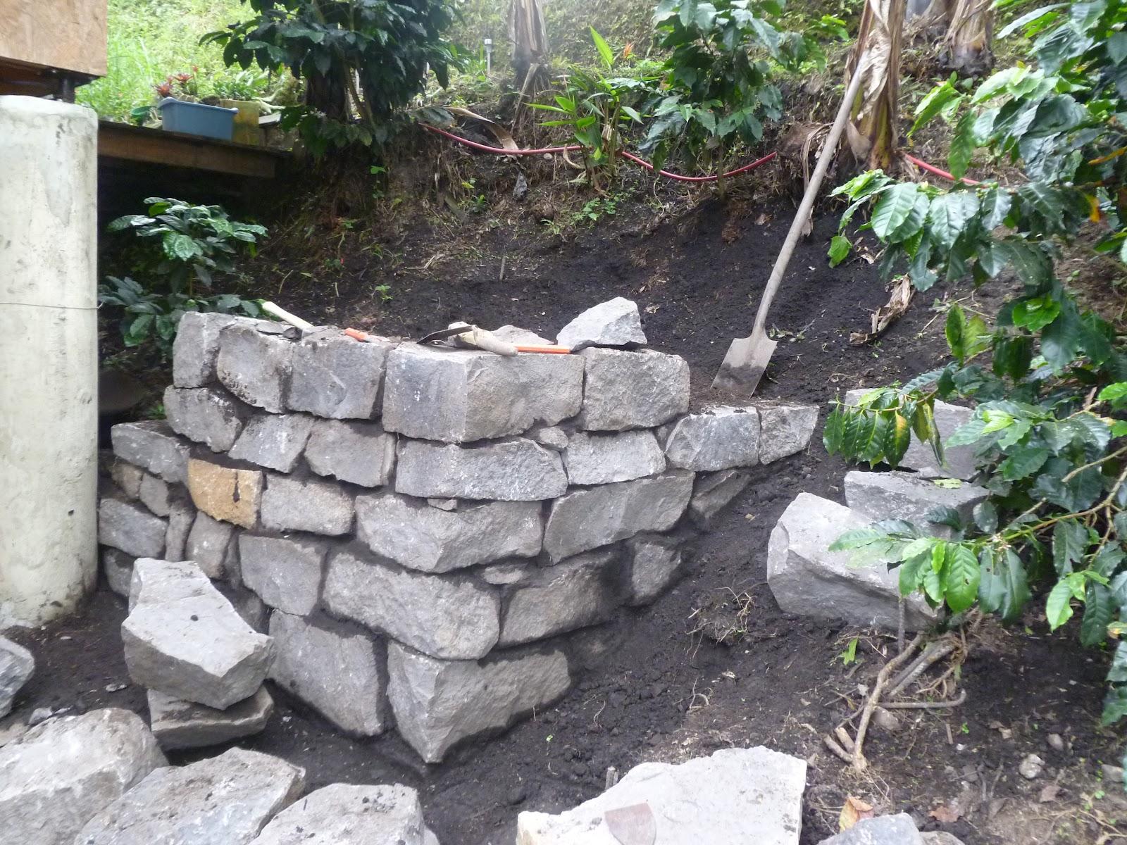 El maestro de obras xavier valderas construir un muro de piedras - Como hacer muros de piedra ...