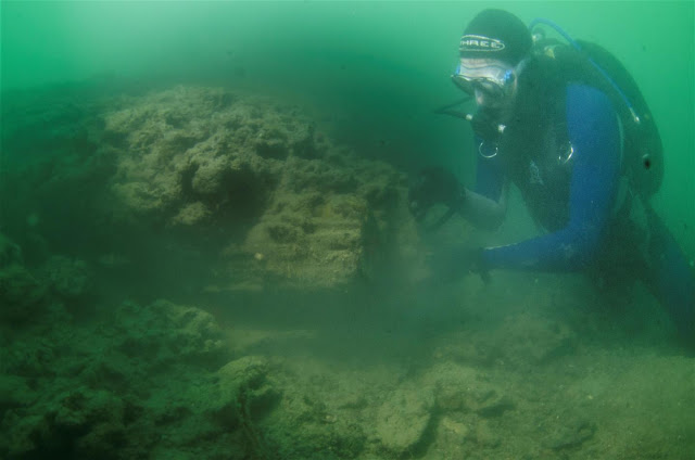 Mesolithic boat building site discovered on seabed off Isle of Wight