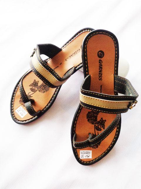sandal Garniss Mirah