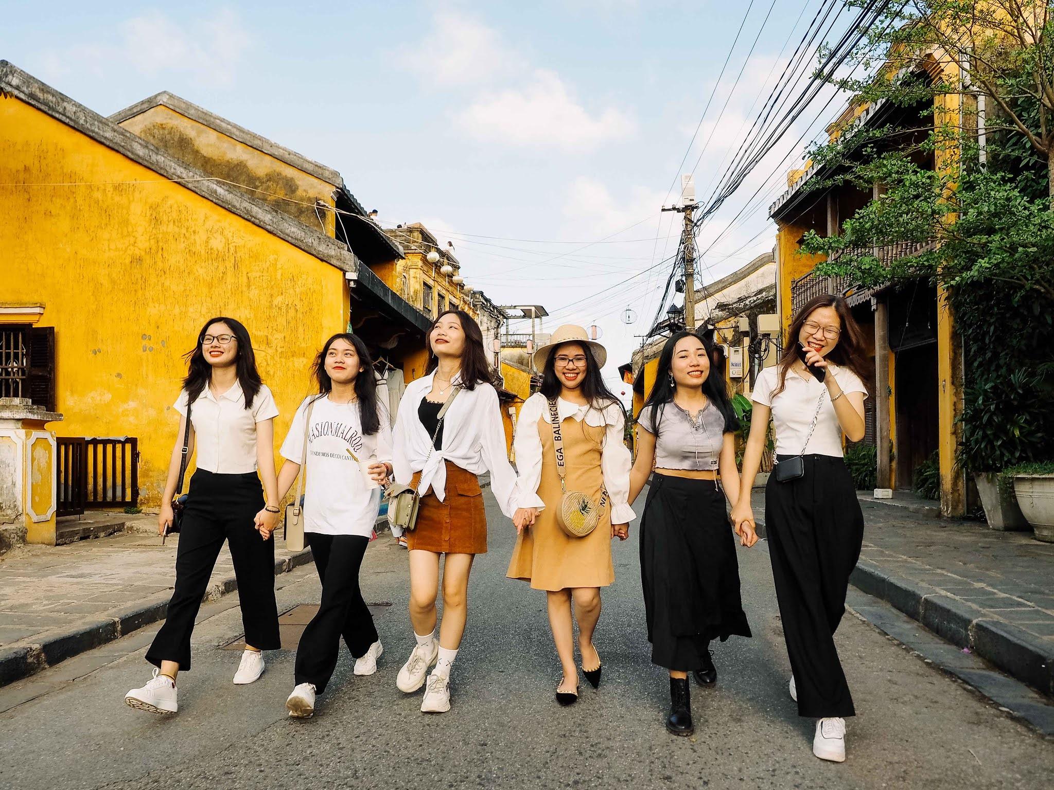 Báo Giá Chụp Ảnh Ngoại Cảnh Nhóm Bạn Hội An - Photographer: Khôi Trần