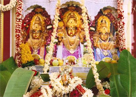 Mahalakshmi Temple trinity deities of Mahalakshmi, Mahasaraswati and Mahakali