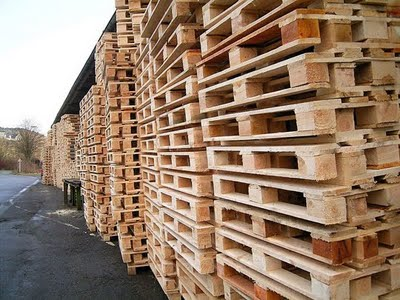 The Domestic Curator: Decorating With Shipping Pallets