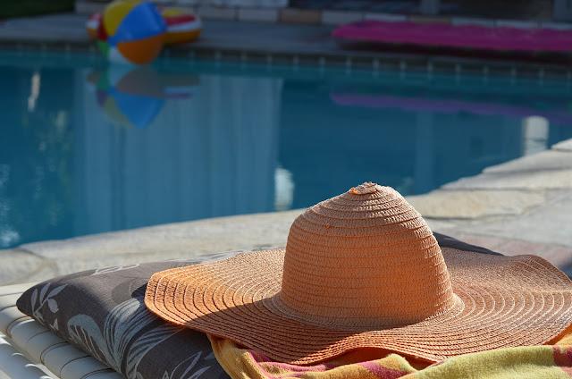 Ventajas de contar con una piscina prefabricada en casa