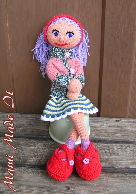 Strikke Dukker doll