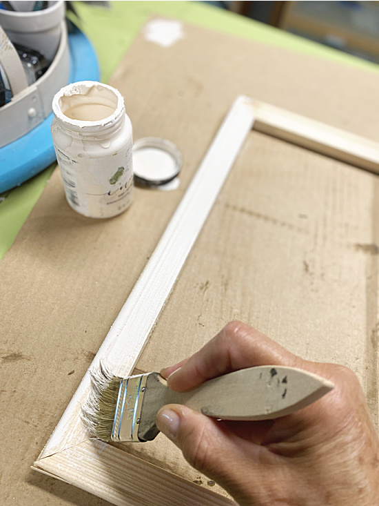 chalk painting a wooden frame