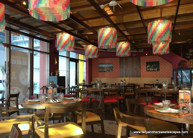 colorful and casual Thai restaurant in Dubai
